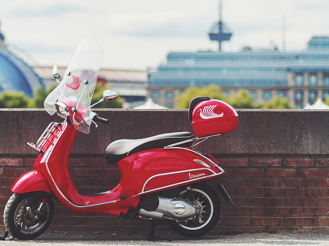 Photo of The Great Debate: 9 Reasons To Drive A Vespa